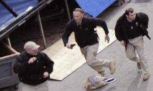 Una firma privada de paramilitares pudo haber estado presente en la maratón de Boston al momento del ataque terrorista de este lunes. Las imágenes de los contratistas fueron capturadas por testigos y cámaras de vigilancia, siendo divulgadas esta semana en varios sitios de internet.