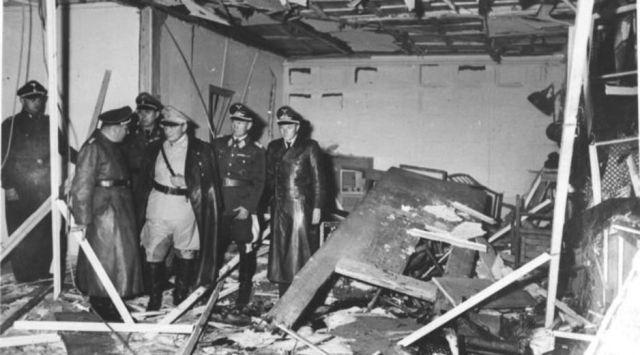 hermann-goring-visita-la-guarida-del-lobo-tras-el-atentado-del-20-de-julio-de-1944.jpg